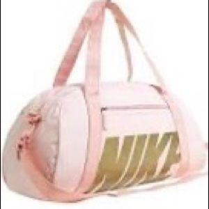 Nike Jym Club Training Duffle Bag 30L pink/gold
